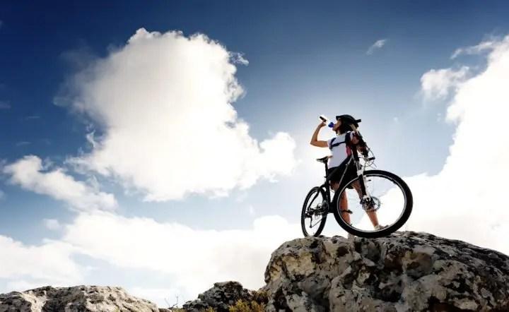 Qué beber y comer antes de salir a entrenar en bicicleta