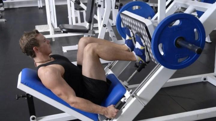 ¿Los aparatos son útiles para construir músculo?