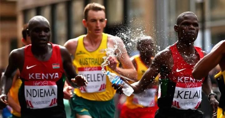 ¿Cada cuánto tiempo debe hidratarse un runner?