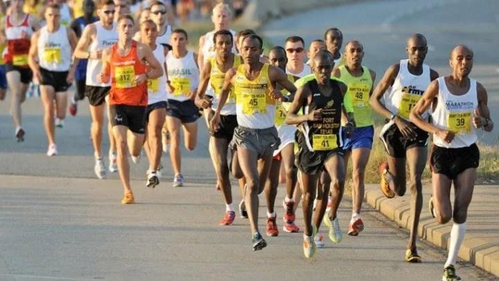 Debemos relajar los músculos faciales al correr