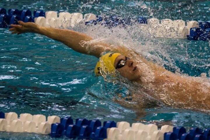 Mejorar el nado estilo de espalda