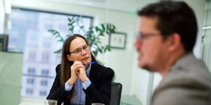 Los hábitos que pueden truncar tu carrera profesional