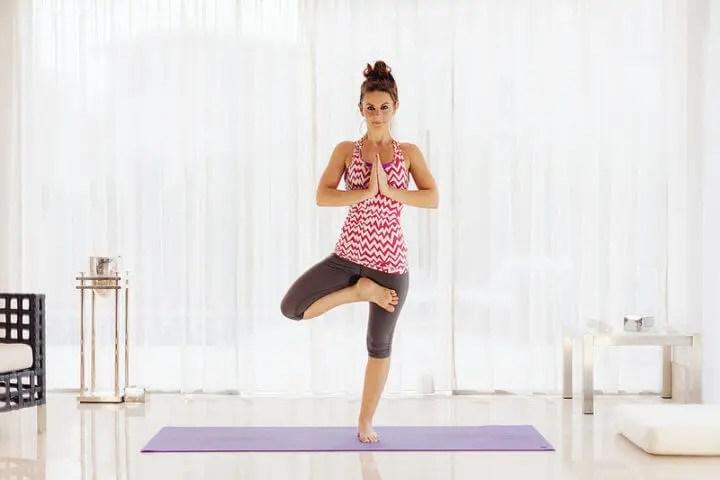 3 poses de yoga para entrenar el equilibrio