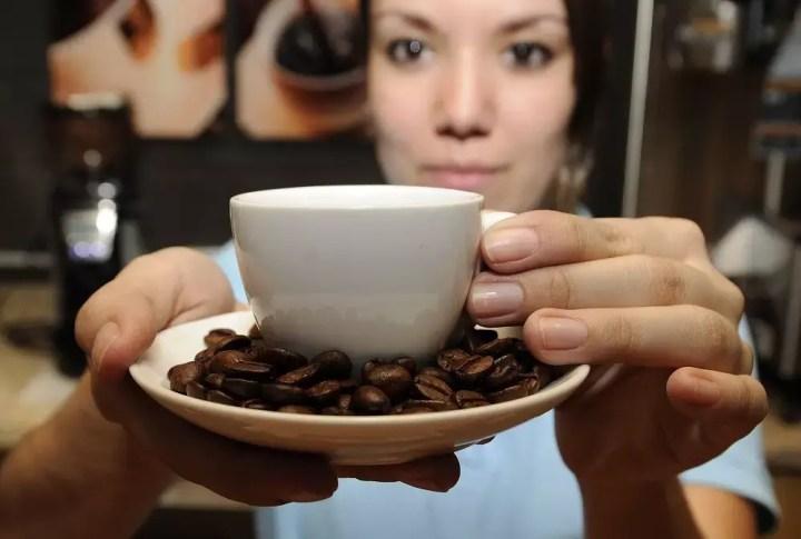 Tomar café mejora tu entrenamiento como corredor