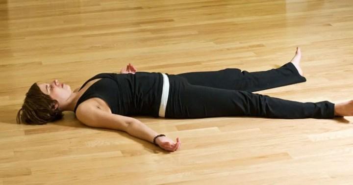 Poses de yoga para antes de dormir