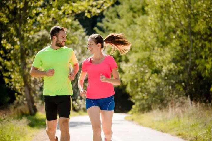 Cómo correr con un runner más lento que tú