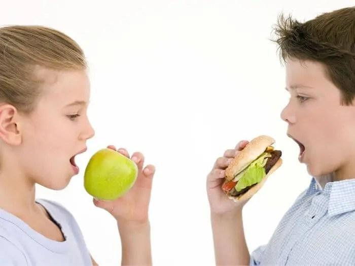 Los adolescentes deben evitar el consumo de alimentos procesados