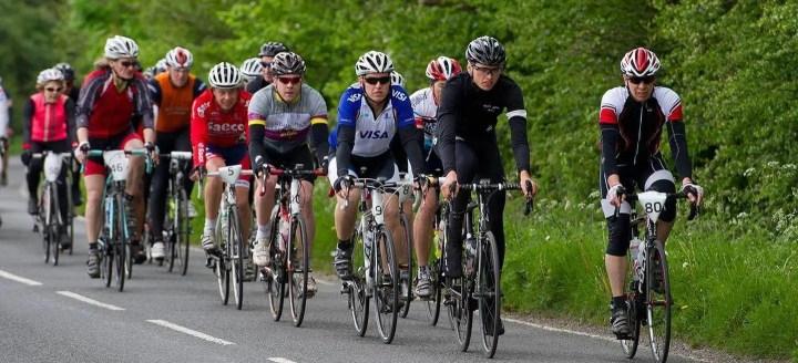 Cómo montar en bicicleta en grupo