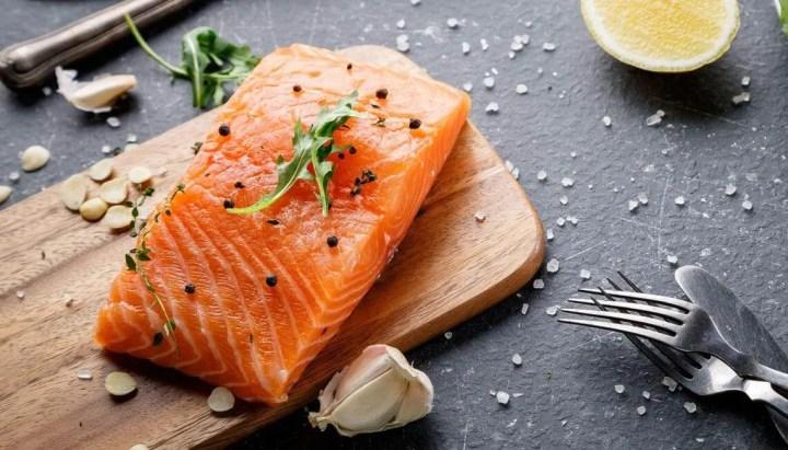 El salmón es un potente alimento antiinflamatorio