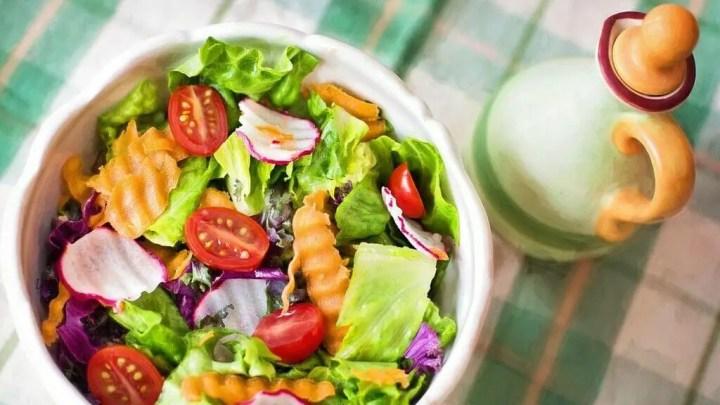 ¿Son recomendables las ensaladas para desayunar?
