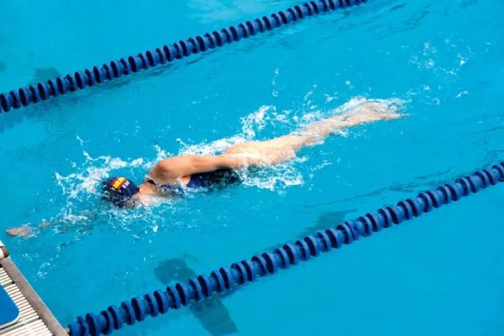 Cómo nadar al estilo crol lateral