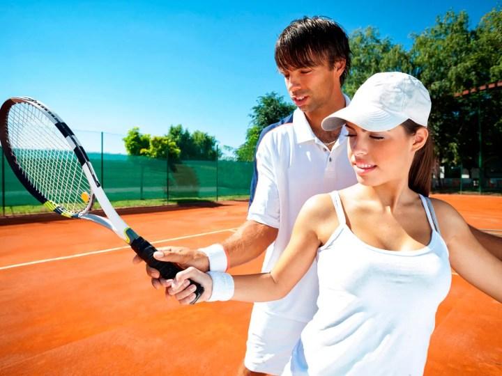 Cómo ejecutar un gran servicio de tenis