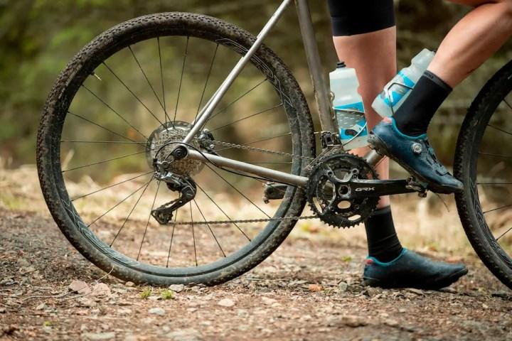 ¿Cómo son los frenos de una bicicleta de grava?