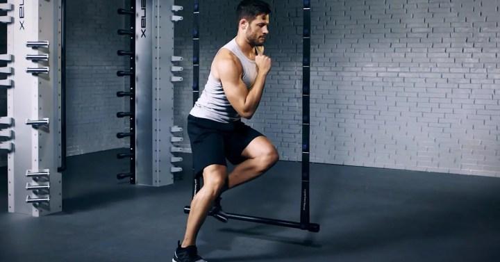 Beneficios de los saltos laterales en entrenamiento HIIT de 30 minutos