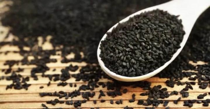 usos medicinales de las semillas de kalonji y diabetes