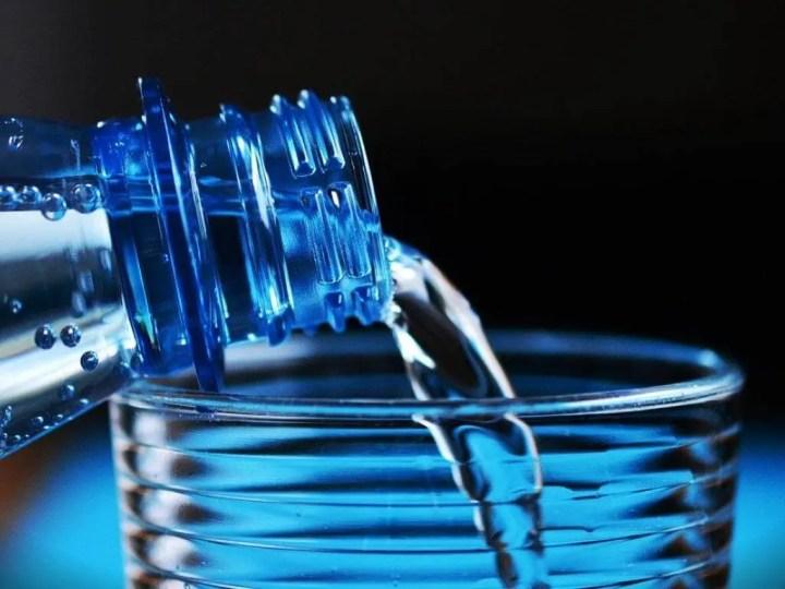 Beneficios del agua con cafeína