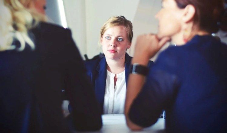 Qualities every professional virtual receptionist should have