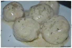 Albóndigas con salsa de queso