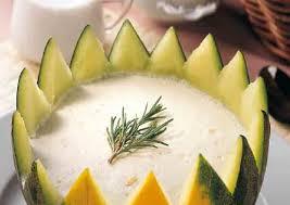 Gelatina de miel con frutas, jengibre y granizado de melón de la mancha