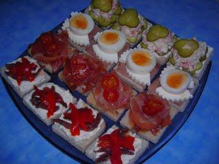 Canapés de queso con anchoas