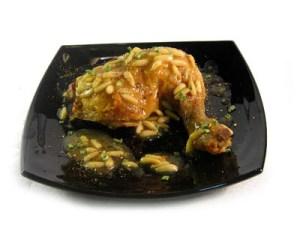 pollo con piñones