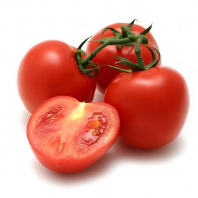 El uso del tomate en ensaladas, salsa, sopas