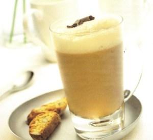 Licuado de banana y café
