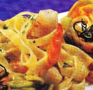 Tagliatelle con langostinos y flores de calabacín
