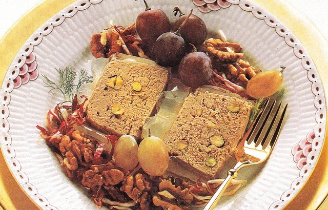 Paté de hígado con pistachos