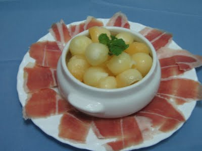 Perlas de melón con miel y menta