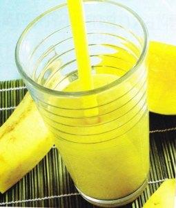 jugo de piña, mango y plátano