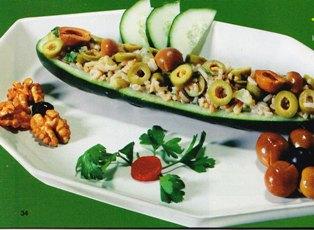 Pepinos rellenos de arroz con aceitunas
