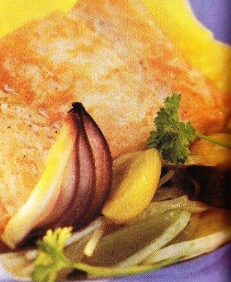 Filete de salmón en salsa de vino blanco