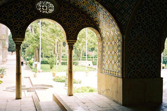 800px-Teheran_golestan