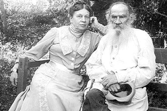 Tolstoi y esposa