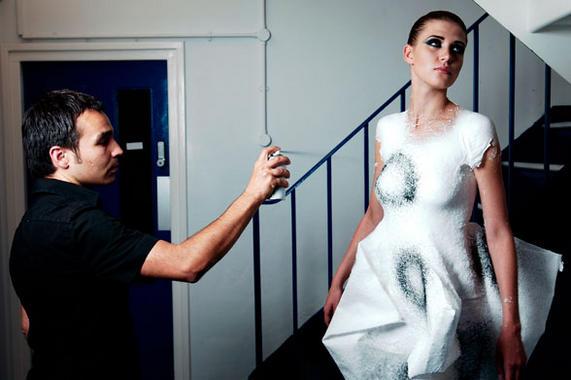 La-moda-espanola-se-cose-en-los-laboratorios_image_380