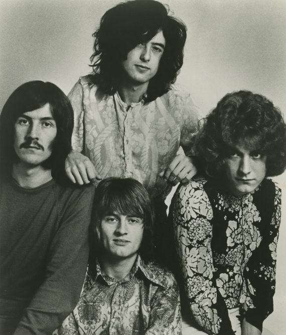 Esos raros peinados viejos. Foto: Warner Music