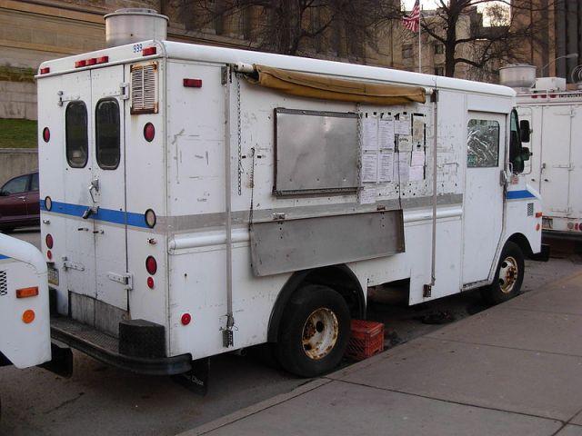 800px-Food_trucks_Pitt_04