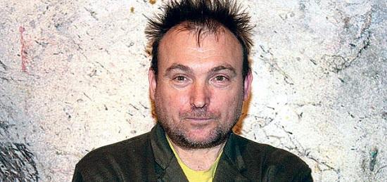 Al pintor Miguel Barceló se lo encuentra Rodrigo Rey Rosa en Mali.