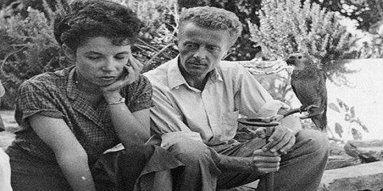 La relación literaria del guatemalteco con Paul Bowles ocupa un lugar en el libro.