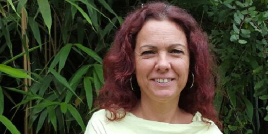 La editora Noelia Riaño que desembarca con La Orilla Negra desde Ediciones del Serbal.
