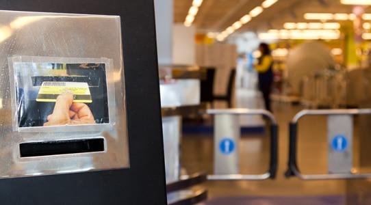 Para obtener la tarjeta de cliente Makro hay que ejercer una actividad económica y presentar la documentación requerida por el establecimiento