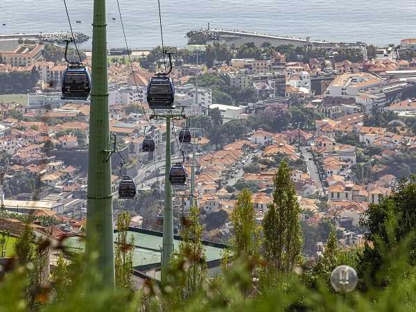 Vista aérea de Funchal - Isla Madeira, Portugal