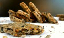 Biscuits apéritifs aux olives et aux graines de tournesol (vegan)