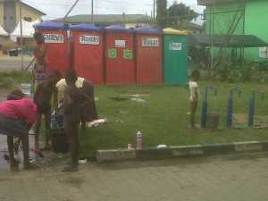 Confusion as Bayelsa evicts displaced persons from flood camps Camp 2 300x225