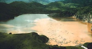 Lake_Nyos_after_the_disaster