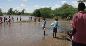 children-of-katilu-primary-school-fetching-water-at-river-turkwel
