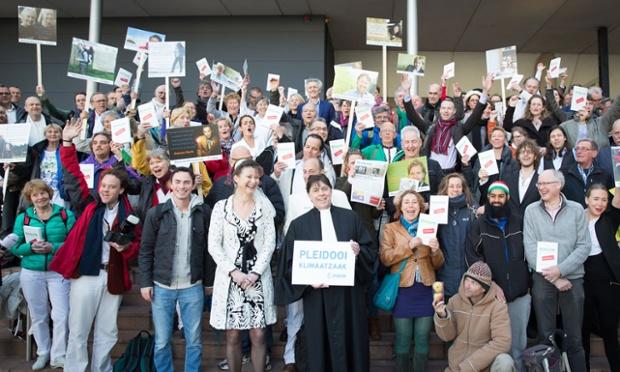 Urgenda supporters celebrate at The Hague after court ruling requiring Dutch government to slash emissions. Photo credit: Chantal Bekker/Urgenda
