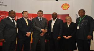 L-R: Head of Nigerian Content Development, Shell Nigeria Exploration and Production Company of Nigeria (SNEPCo), Austin Uzoka; Director, United Kingdom Trade & Industry, Chris Maskell; British Deputy High Commissioner, Ray Kyles; General Manager, Nigerian Content Development, Shell Nigeria, Chiedu Oba; UKTI Specialist, Sue Whitebread; Director Monitoring and Evaluation (NCDMB),Tunde Adelana…. at the just concluded Nigeria – UK Suppliers Engagement programme sponsored by SNEPCo and its co-venturers.  56 UK, Nigerian firms explore opportunities in Shell-sponsored summit image001 1