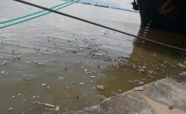 Marine litter in Abidjan, Ivory Coast